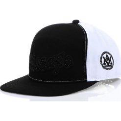 Czapka męska snapback czarno-biała (hx0202). Białe czapki z daszkiem męskie marki Dstreet, z haftami, eleganckie. Za 69,99 zł.