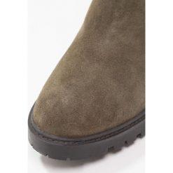 KIOMI Botki tartufo. Brązowe buty zimowe damskie KIOMI, z materiału. W wyprzedaży za 208,45 zł.