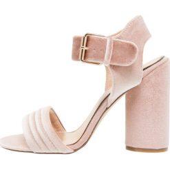 Sandały damskie: Miss Selfridge CAI Sandały na obcasie pink