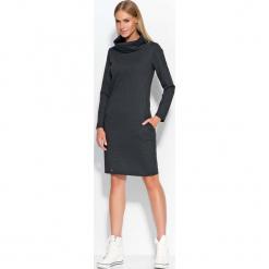 Grafitowa Sukienka Dresowa z Wywijanym Golfem. Szare sukienki dresowe marki bonprix, melanż, z kapturem, z długim rękawem, maxi. Za 87,90 zł.