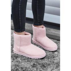 Różowe Śniegowce Simply Black. Czarne buty zimowe damskie Born2be, na niskim obcasie. Za 89,99 zł.