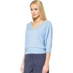 Swetry klasyczne damskie: Sweter w kolorze błękitnym