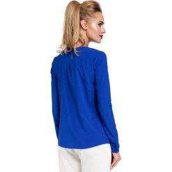 ABRIL Bluzka z zakładką przy szyi - chabrowa. Niebieskie bluzki longsleeves Moe, z tkaniny, biznesowe. Za 109,99 zł.