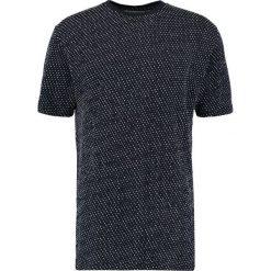 Soulland FERNELL DOTTED Tshirt z nadrukiem navy/white. Niebieskie koszulki polo marki Soulland, l, z nadrukiem, z bawełny. W wyprzedaży za 359,10 zł.