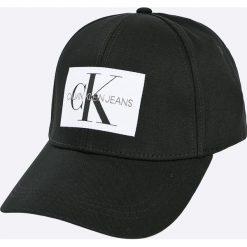 Calvin Klein Jeans - Czapka. Białe czapki z daszkiem męskie marki Calvin Klein Jeans, z bawełny. W wyprzedaży za 119,90 zł.