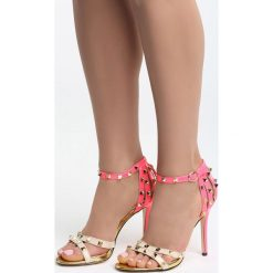 Beżowo-Fuksjowe Sandały Thoughtful. Czarne sandały damskie marki Kazar, z nubiku, na wysokim obcasie, na szpilce. Za 79,99 zł.