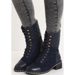 Granatowe Botki It Beats Me. Czerwone buty zimowe damskie marki Reserved, na niskim obcasie. Za 89,99 zł.