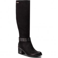 Kozaki CARINII - B4602 360-E50-PSK-861. Czarne buty zimowe damskie marki Carinii, z materiału, z okrągłym noskiem, na obcasie. W wyprzedaży za 409,00 zł.