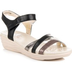 Sandały na rzep ADELAIDE. Białe sandały damskie marki KYLIE. Za 89,99 zł.