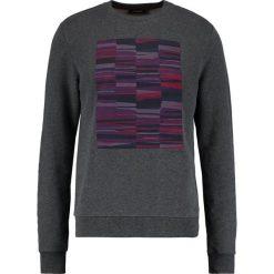 Calvin Klein KANAN FRENCH TERRY Bluza grey. Pomarańczowe kardigany męskie marki Calvin Klein, l, z bawełny, z okrągłym kołnierzem. W wyprzedaży za 384,30 zł.