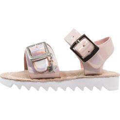 Next METALLIC SPORTY YOUNGER GIRLS Sandały pink. Czerwone sandały chłopięce marki Next, z materiału. Za 139,00 zł.