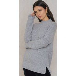 Swetry oversize damskie: Rut&Circle Sweter w prążki Vera – Grey