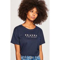 T-shirt z napisem - Granatowy. Białe t-shirty męskie marki Reserved, l, z dzianiny. Za 29,99 zł.