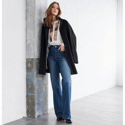 Płaszcze damskie: Szeroki płaszcz, 50% wełny