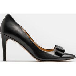 Czarne czółenka damskie. Czarne buty ślubne damskie marki Kazar, ze skóry, na wysokim obcasie, na obcasie. Za 499,00 zł.