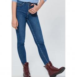 Jeansy High Waist - Niebieski. Czerwone spodnie z wysokim stanem marki Cropp, l. Za 119,99 zł.