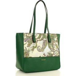 MONNARI Niezwykła torebka na ramię z orientalnym wzorem zielony. Zielone shopper bag damskie Monnari, ze skóry, na ramię. Za 179,00 zł.