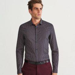 Koszula slim fit z drobnym wzorem - Granatowy. Niebieskie koszule męskie slim marki Reserved, l. Za 99,99 zł.