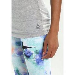 Reebok RECYCLED RACERBACK Koszulka sportowa medium grey heather. Szare t-shirty damskie Reebok, xl, z elastanu. Za 129,00 zł.