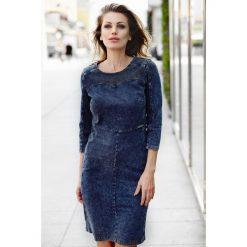 Klasyczna prosta sukienka jeans a167-2. Niebieskie sukienki balowe marki SaF, na co dzień, xl, z żakardem, z asymetrycznym kołnierzem, dopasowane. W wyprzedaży za 159,00 zł.