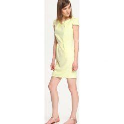 SUKIENKA DAMSKA WE WZORY. Szare sukienki mini marki Top Secret, z krótkim rękawem, bombki. Za 59,99 zł.