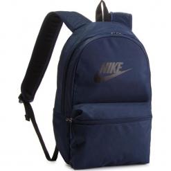 Plecak NIKE - BA5749 451. Niebieskie plecaki damskie Nike, z materiału, sportowe. Za 119,00 zł.