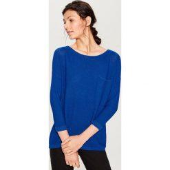 Sweter z kieszonką - Niebieski. Niebieskie swetry klasyczne damskie marki Mohito, l. Za 89,99 zł.