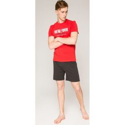 Henderson - Piżama East. Białe piżamy męskie marki WED'ZE, z elastanu. W wyprzedaży za 49,90 zł.