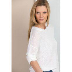 Swetry klasyczne damskie: Pastelowy sweter