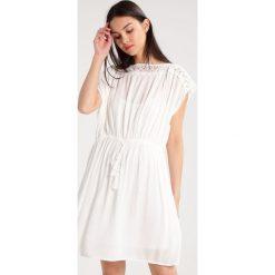 Sukienki hiszpanki: Soyaconcept MAKIA  Sukienka letnia off white