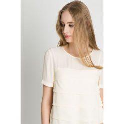 Elegancka bluzka w kolorze ecru BIALCON. Szare bluzki nietoperze BIALCON, z tkaniny, eleganckie, z krótkim rękawem. Za 149,00 zł.