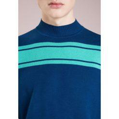 Swetry klasyczne męskie: Won Hundred GAVIN Sweter velvet sea