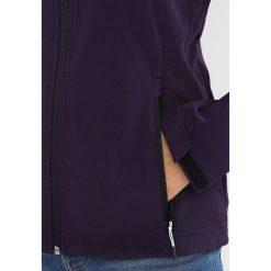 Meru LAHTI Kurtka Softshell purple. Fioletowe kurtki sportowe damskie marki Meru, z elastanu. W wyprzedaży za 224,25 zł.