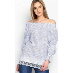 Granatowa Bluzka Naked Shoulders. Szare bluzki z odkrytymi ramionami marki Born2be, m, z koronki. Za 49,99 zł.