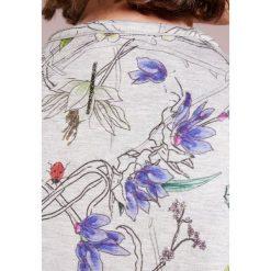 Escada Sport ETYNKI Bluzka z długim rękawem fantasy. Szare bluzki asymetryczne Escada Sport, s, z materiału, z długim rękawem. W wyprzedaży za 734,30 zł.