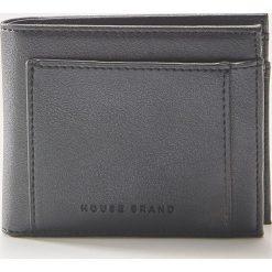 Portfel z eco skóry - Czarny. Czarne portfele męskie House, ze skóry. Za 35,99 zł.