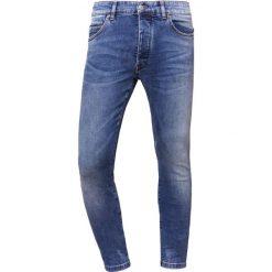 DRYKORN JAZ Jeansy Slim Fit blue. Niebieskie jeansy męskie DRYKORN, z bawełny. Za 629,00 zł.
