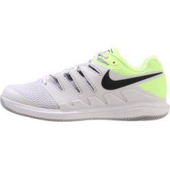 Nike Performance AIR ZOOM VAPOR X HC Obuwie multicourt vast grey/black/atmosphere grey/volt glow. Szare buty trekkingowe męskie Nike Performance, z materiału, na golfa. W wyprzedaży za 441,75 zł.