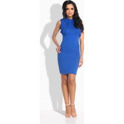 Sukienki: Elegancka sukienka ze stylowymi paskami chaber