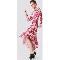 NA-KD Boho Siateczkowa sukienka z długim rękawem - Pink,Multicolor. Niebieskie sukienki boho marki NA-KD Boho, na imprezę, w koronkowe wzory, z koronki, na ramiączkach, mini. W wyprzedaży za 97,18 zł.