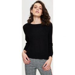 Swetry klasyczne damskie: Luźny sweter z dekoltem w łódkę – Czarny