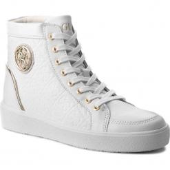 Sneakersy GUESS - FLACE3 LEP12 WHITE. Białe sneakersy damskie Guess, z materiału. W wyprzedaży za 499,00 zł.