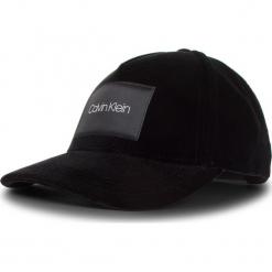 Czapka z daszkiem CALVIN KLEIN - Velvet Cap K60K604894 001. Czarne czapki z daszkiem damskie Calvin Klein, z materiału. Za 179,00 zł.