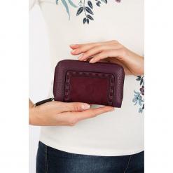 """Portfel """"Ascottine"""" w kolorze bordowym - 15 x 10 x 4,2 cm. Czerwone portfele damskie Scottage, z materiału. W wyprzedaży za 40,95 zł."""