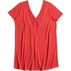 """Koszulka """"Dust in the wind"""" w kolorze czerwonym. Czerwone topy sportowe damskie marki Roxy, xs, z haftami, z dzianiny, z krótkim rękawem. W wyprzedaży za 105,95 zł."""