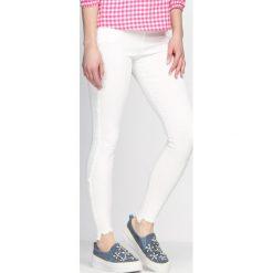 Spodnie damskie: Białe Legginsy Metropolis
