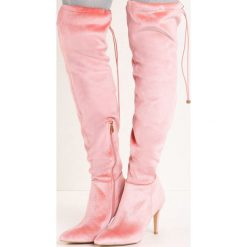 Różowe Kozaki Holla. Czerwone buty zimowe damskie marki Born2be, z materiału, ze szpiczastym noskiem, na wysokim obcasie, na szpilce. Za 89,99 zł.