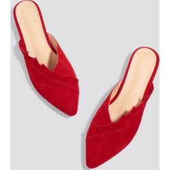 Chodaki damskie: Trendyol Zamszowe klapki - Red