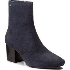 Botki PEPE JEANS - Marlow Icon PLS50295 Ink 591. Niebieskie buty zimowe damskie Pepe Jeans, z jeansu, na obcasie. W wyprzedaży za 349,00 zł.