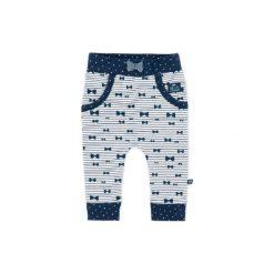 Feetje Spodnie Girls Ringel marine. Niebieskie spodnie dresowe chłopięce marki Feetje. Za 59,00 zł.